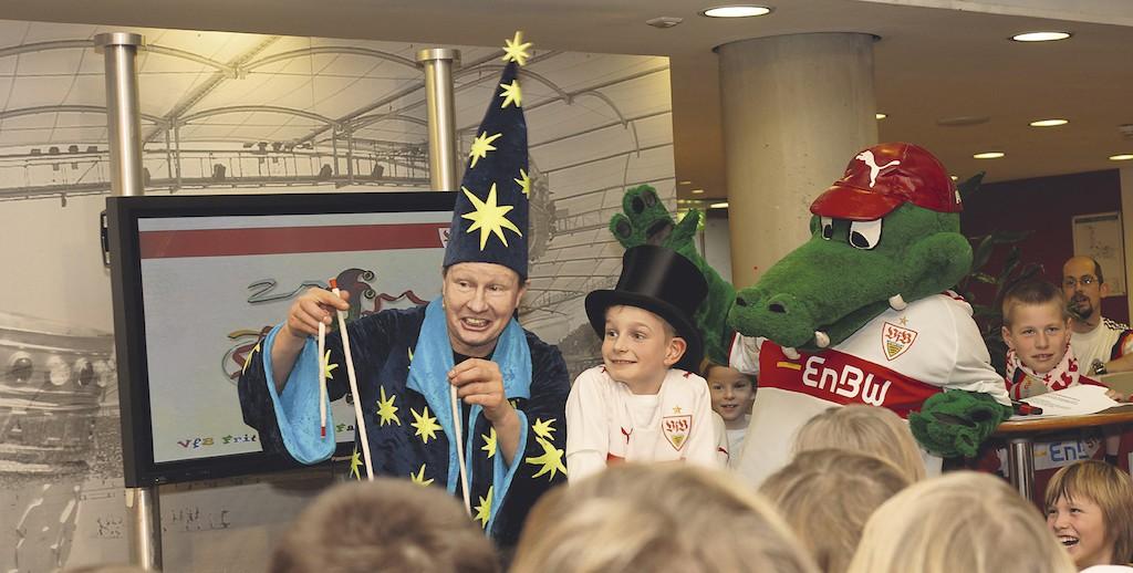 Kinderzauberer Jürgen Metzger begeistert beim VFB Stuttgart